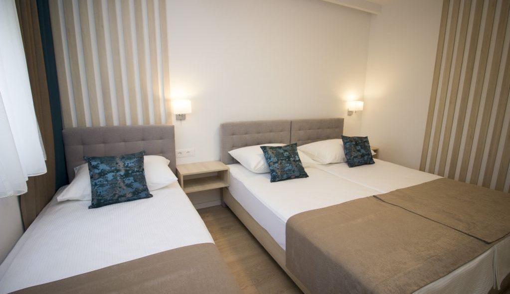 amicus aparthotel soba za tri osobe 2_12