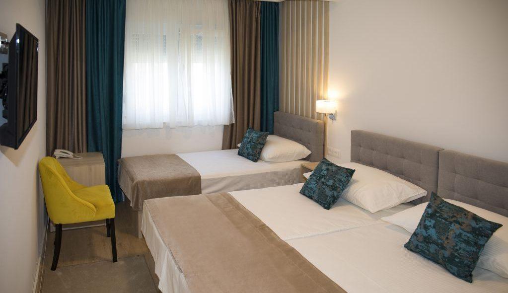 amicus aparthotel soba za tri osobe 2_14