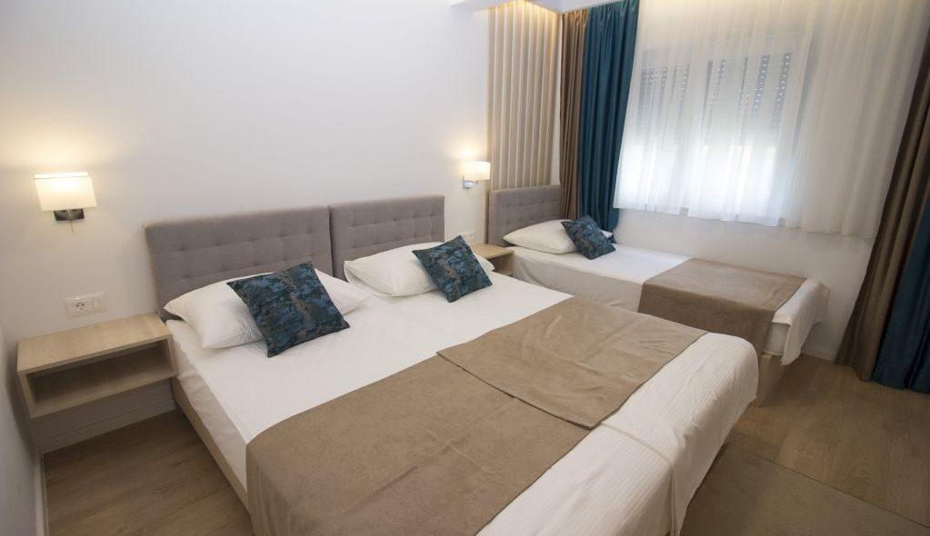 amicus aparthotel soba za tri osobe 2_5
